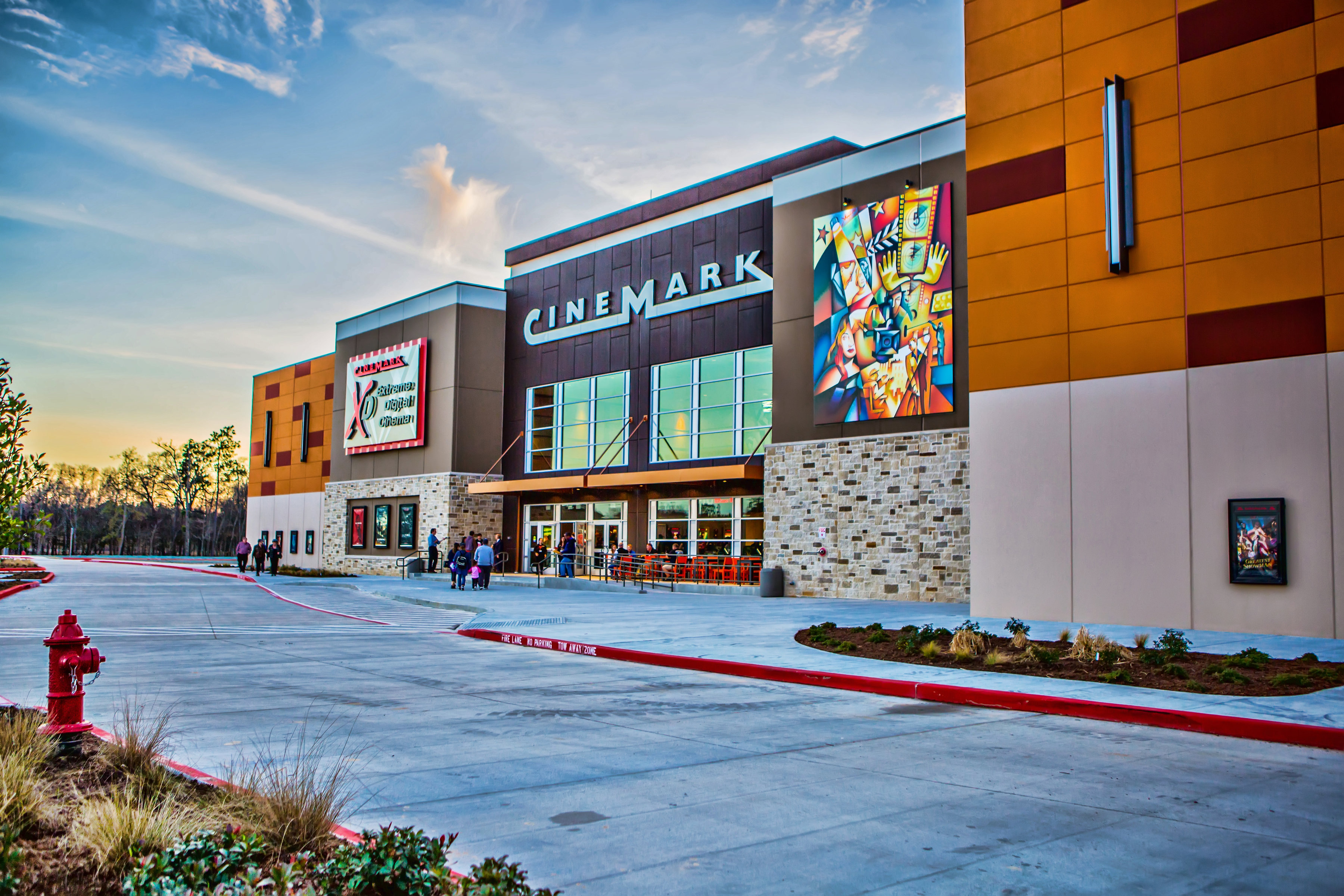 Cinemark Valley Ranch Town Center