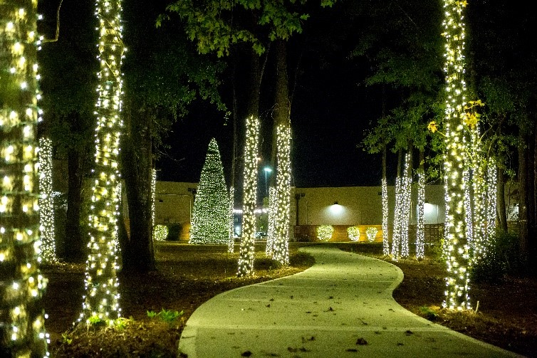 Valley Ranch Town Center decorated for the holidays